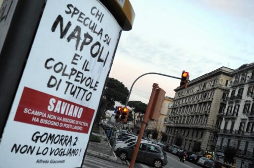 Scritte anti Saviano